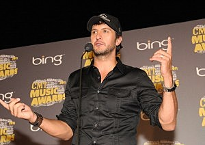 2011 CMT Music Awards Luke Bryan