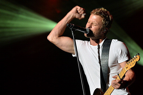 Dierks Bentley in concdert