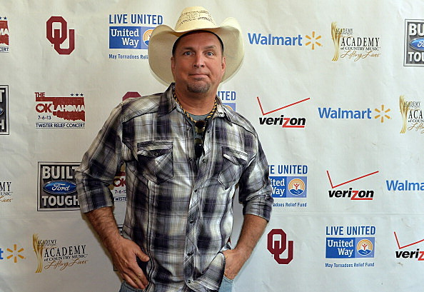 Garth Brooks before concert