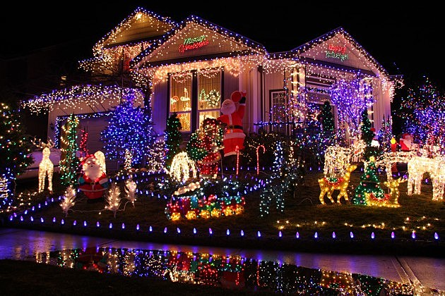 California City Orders Christmas Lights to be Taken Down