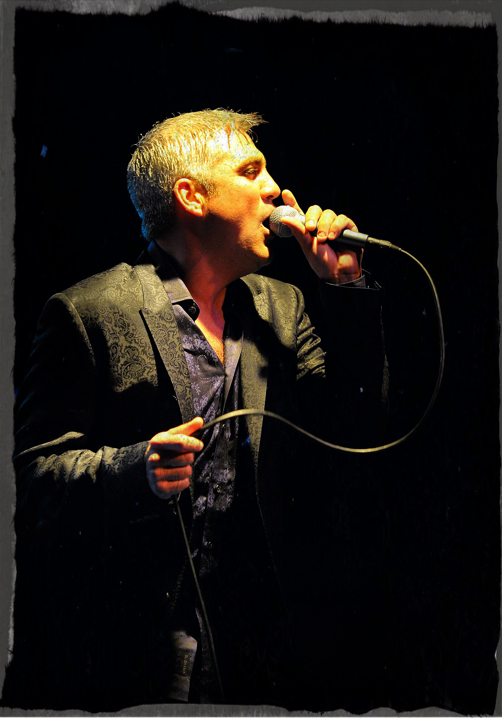 Taylor Hicks Performs At The Roxy Theatre